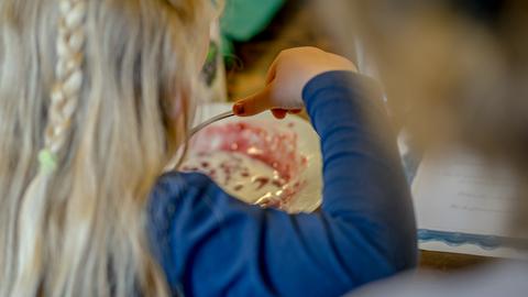 Fællesspisning i Madværkstedet: På tværs af generationer